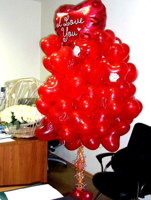 Подарок из шариков девушке